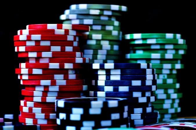 poker-chips-2430015_1920