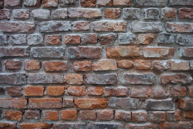 brick-2446497_1920