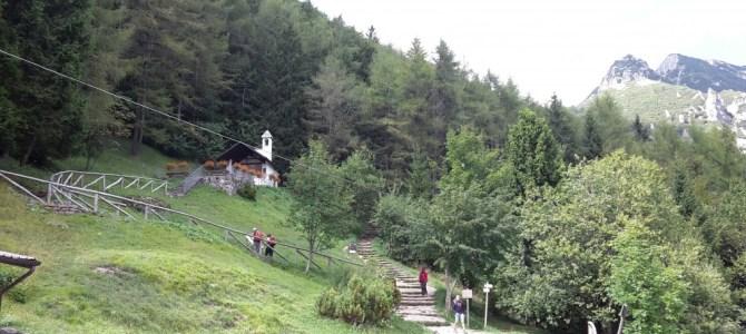 Itinerario sul gruppo del Carega con bambini.