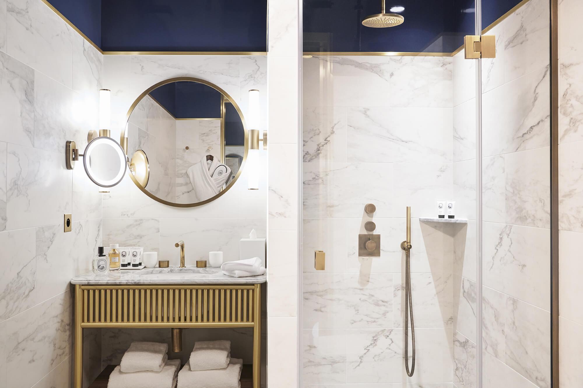 Chambres et suites  Htel Grand Powers Htel 5 toiles de luxe Paris Champs Elysees et George V