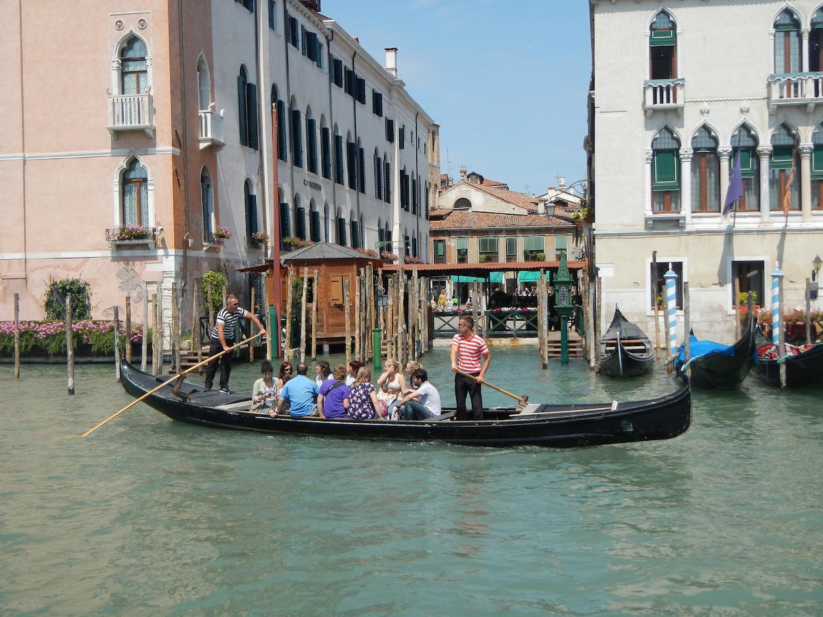 Gondola Traghetto  Venice tourism