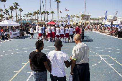 VBL Veniceball team prayer