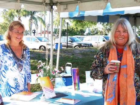 sm2018 authors Pam Storer and Susan Klaus share a moment
