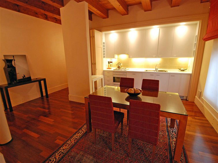 Luxury apartment in Venice for rent situated in a special context (2/5)