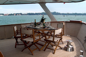 Boat and Breakfast in Venice on a luxury yacht (4/4)