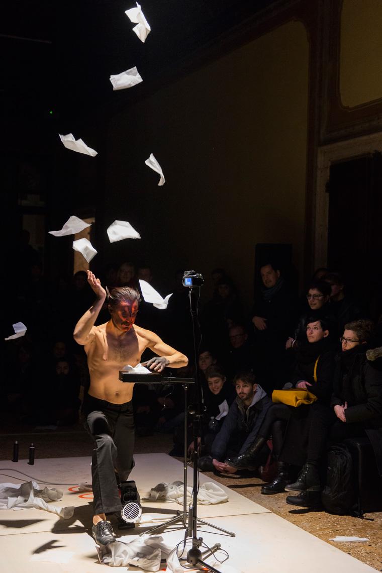 Arti Performance : performance, Grabowski