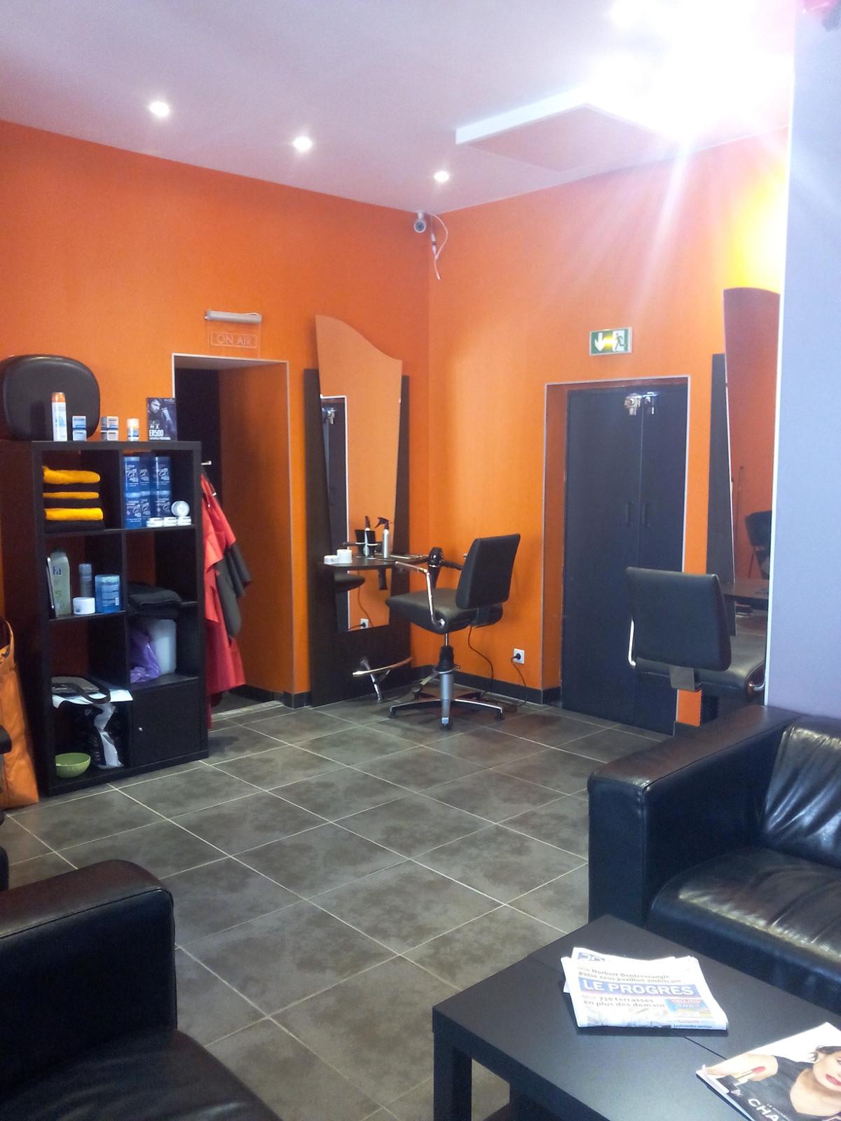 Oxo un salon de th original for Salon de coiffure original
