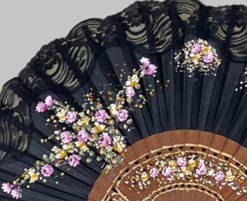 dettaglio fiori ventaglio spagnolo