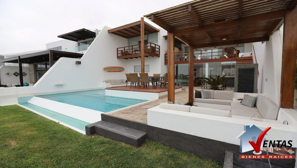 Casa de Playa en Playa Puerto Nuevo con piscina