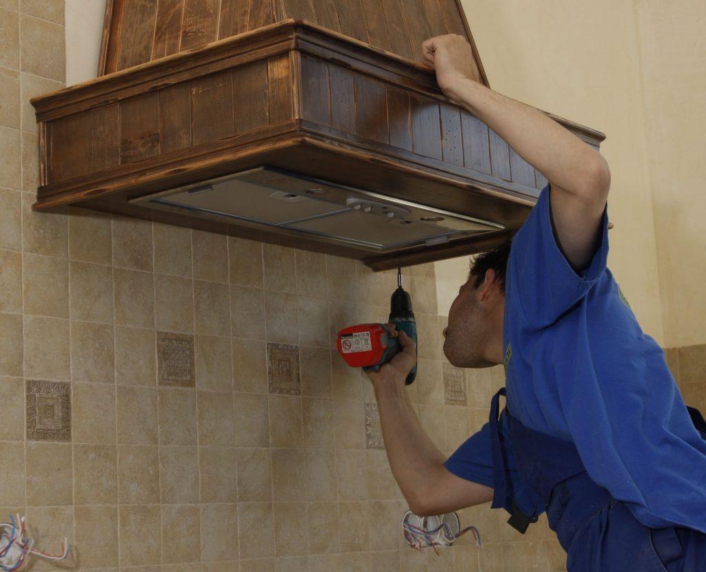 A telepítés során speciális eszközök és berendezések nem szükségesek