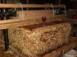 Traditional Oak press at Ventons Devon Cyder