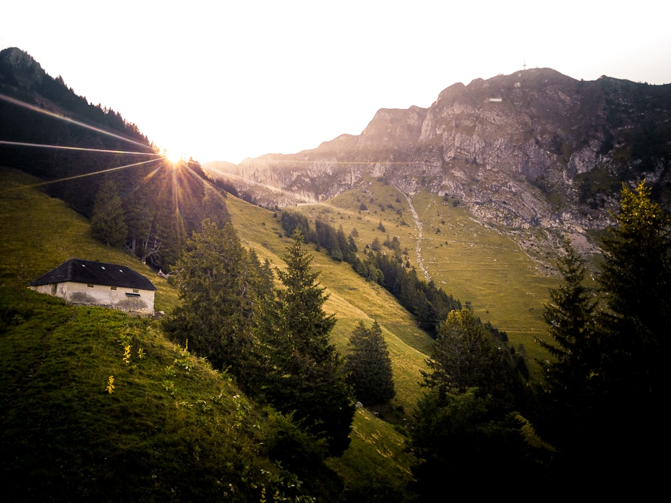 rochers de naye sunrise