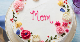 Tempt Your Mom on Her Day With Mother's Day Cake