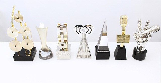 CUSTOM AWARD DESIGNERS 'SOCIETY AWARDS': THE COMPANY THAT HOLLYWOOD DEPENDS ON