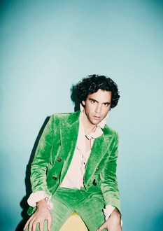 "MIKA PREMIERES NEW SONG ""TOMORROW"""