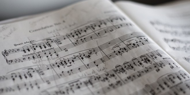 5 Reasons Why Music Helps You Study