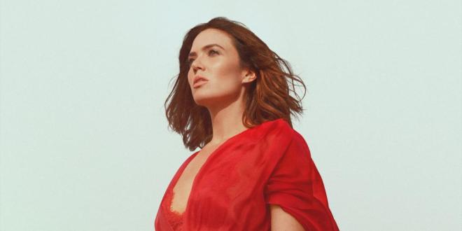 "Mandy Moore Returns With New Single & Video ""When I Wasn't Watching"""
