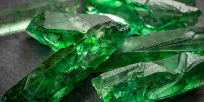 A Guide on the Different Types of Emeralds and How to Buy Them