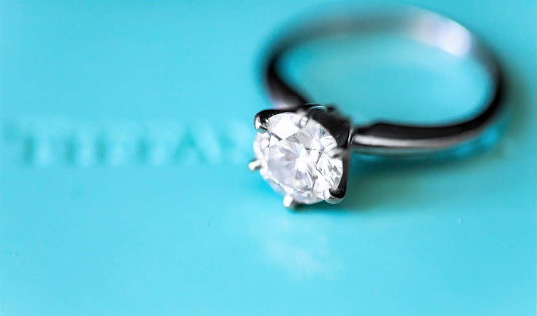 Single Diamond Wedding Ring Catch The Perfect Match