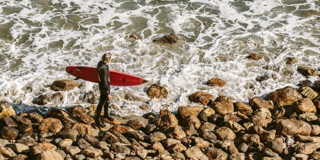 7 of the Best and Most Beautiful Surfing Destinations in the World