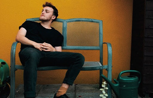 Tom Featherstone Release Brand New Single Titled 'Young'