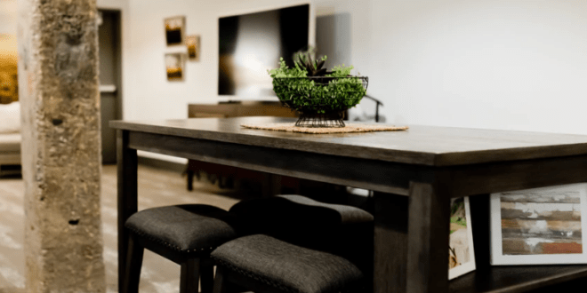 A guide to select designer dining tables