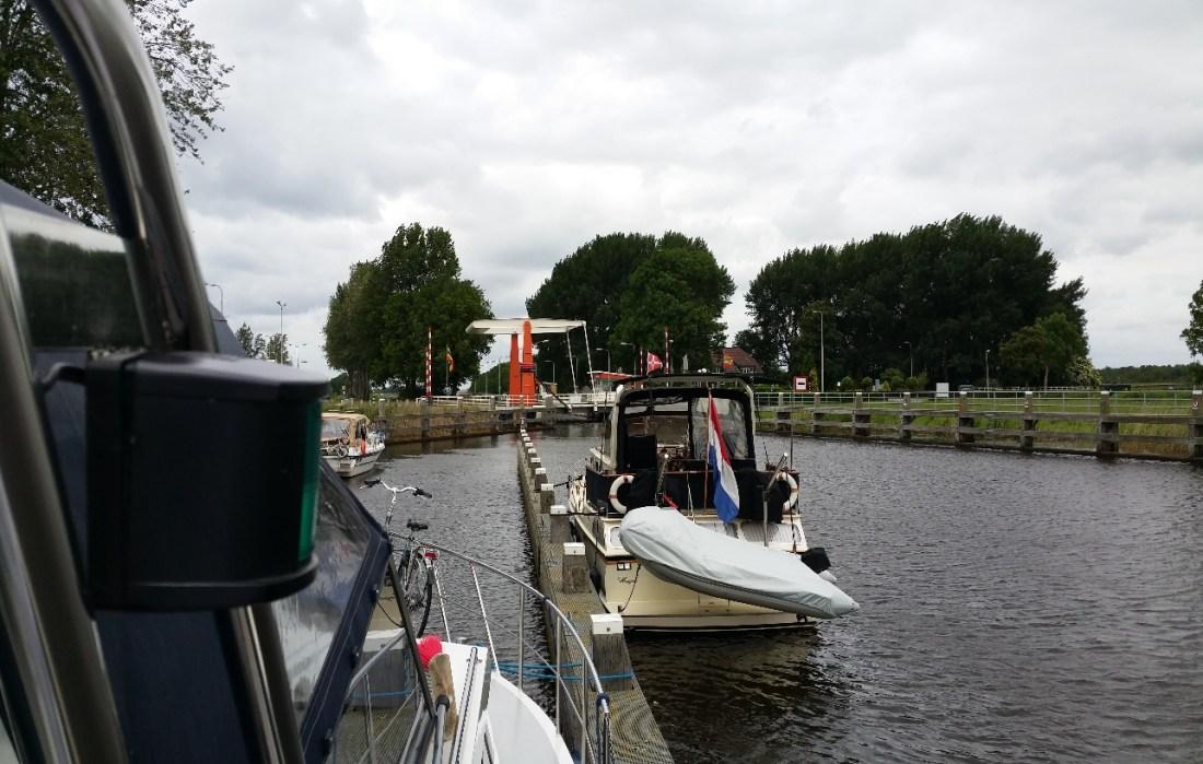 http://www.bigell.de/Hausboot/Reiseberichte/bilder/20150618_124932.jpg