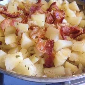 Hot German Potato Salad with Bacon #vzwss