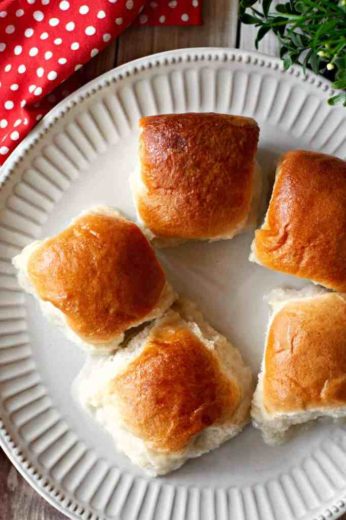 Pani Popo Rolls on a Plate