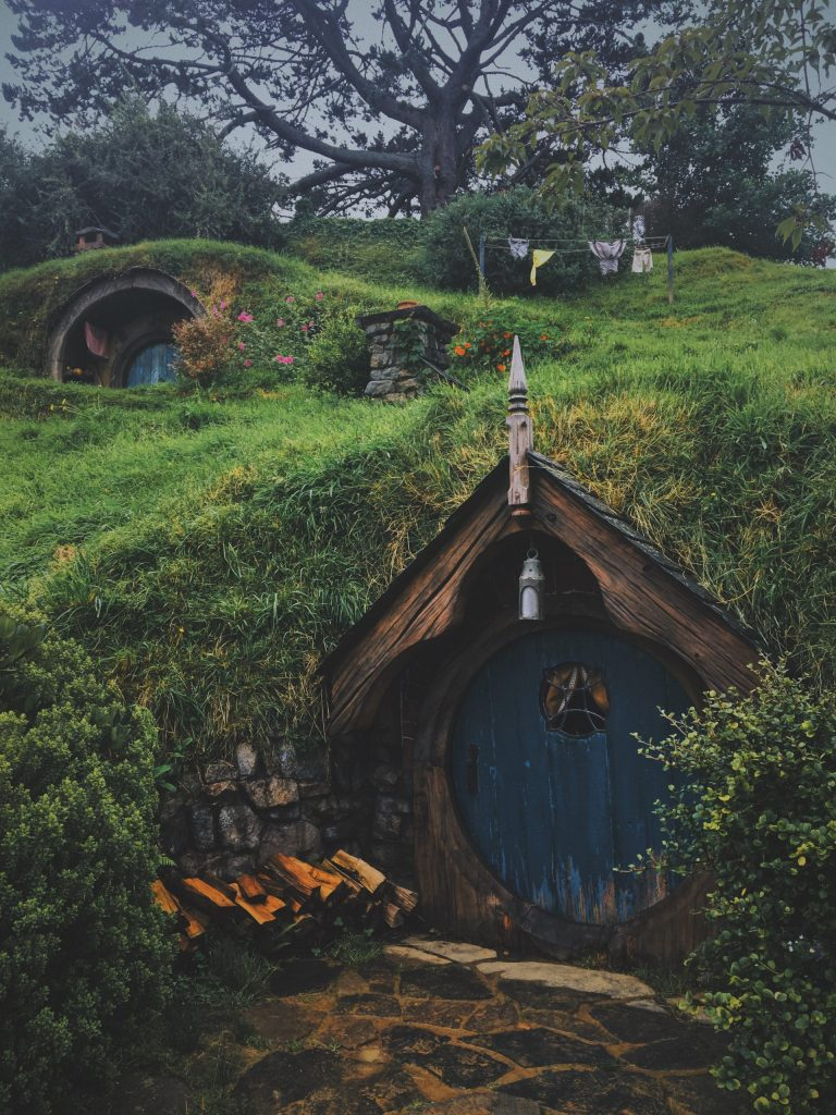 Hobbit movie set in New Zealand