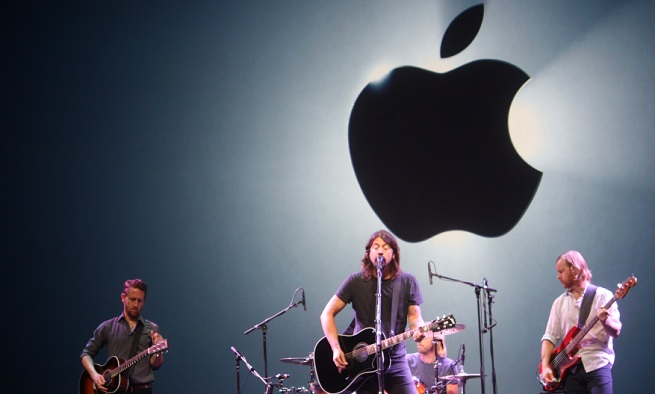 The Foo Fighters perform at Apple's iPhone 5 press event September 12, 2012