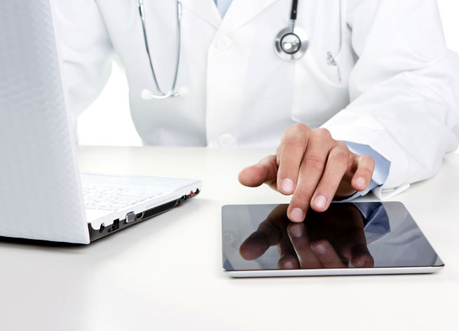 ss doctor using tablet
