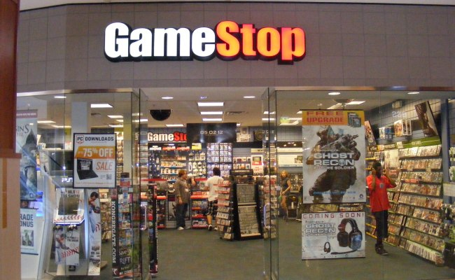 Gamestop Exec Voices Concern Over The Dipping Price Of