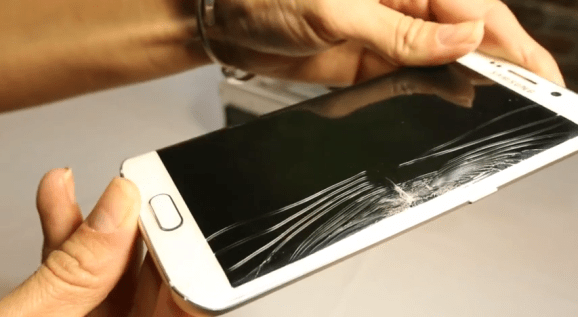 The Samsung Galaxy S6 Edge received the worst score possible in Square Trade's bendability test.