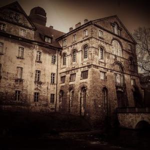 Escape Ghost Treaure Mansion bot