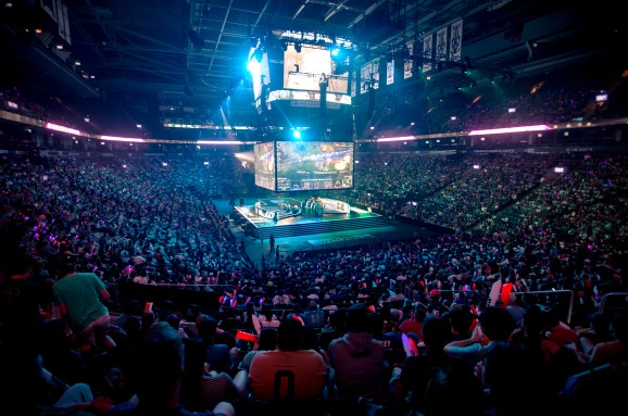 Booming enterprise of esports units sights on conquering mainstream audiences