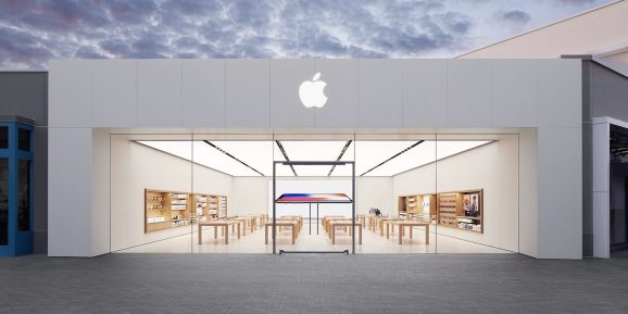 Apple Store UTC in San Diego, California.