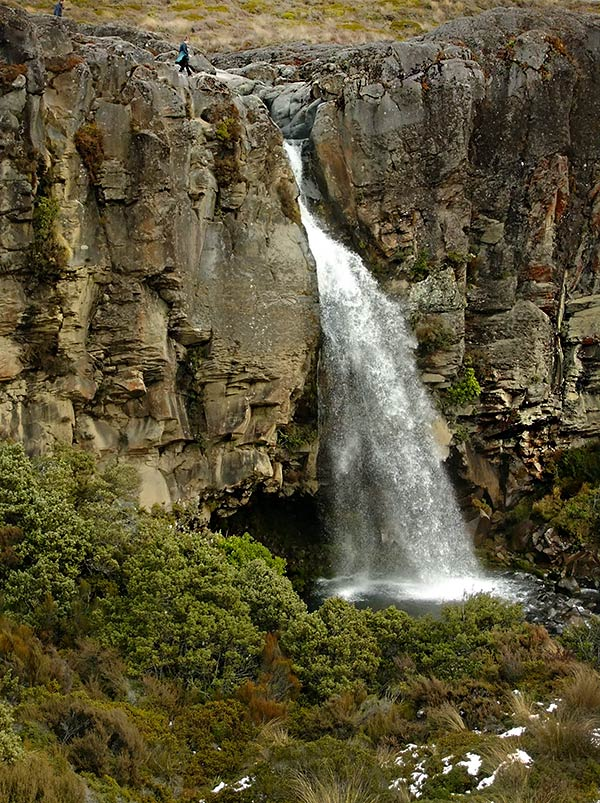 Waterfalls around Tongariro National Park: Taranaki Falls