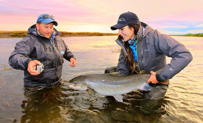 April Vokey with a heavy Rio Gallegos brown trout (Credit: Stephan Dombaj)