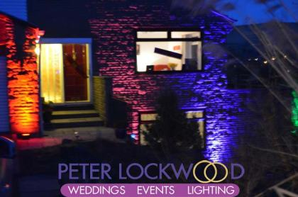 stunning-house-lighting-at-dusk-in-saddleworth