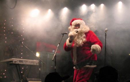 Venuerific-Singapore-event-venue-place-christmas-party-Santa-Singing
