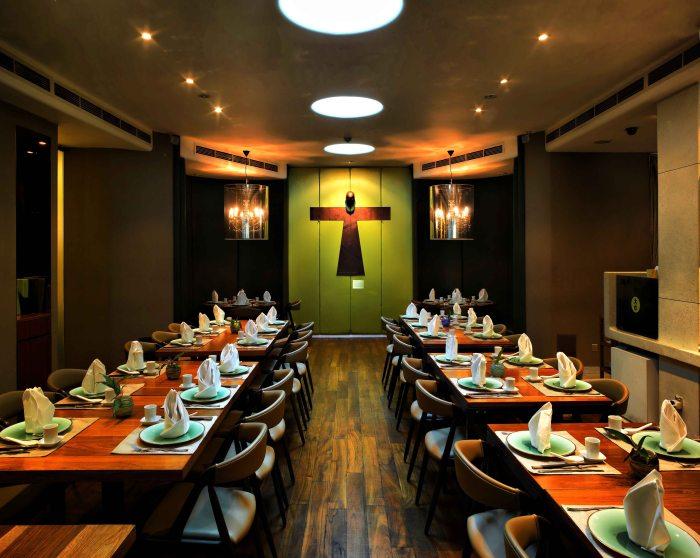 majestic restaurant_Int2b