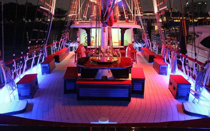Royal-Albatross-luxury