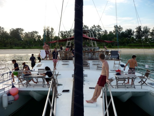 Yacht-Long-Range-Yacht-Upper-Deck-Sentosa-Singapore-Wedding-Party-Others-Venuerific-1