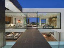 Modern Glass House Interior Design