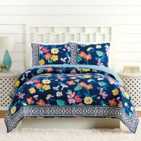 Bedding: Quilts, Shams, Decorative Pillows & More | Vera ...
