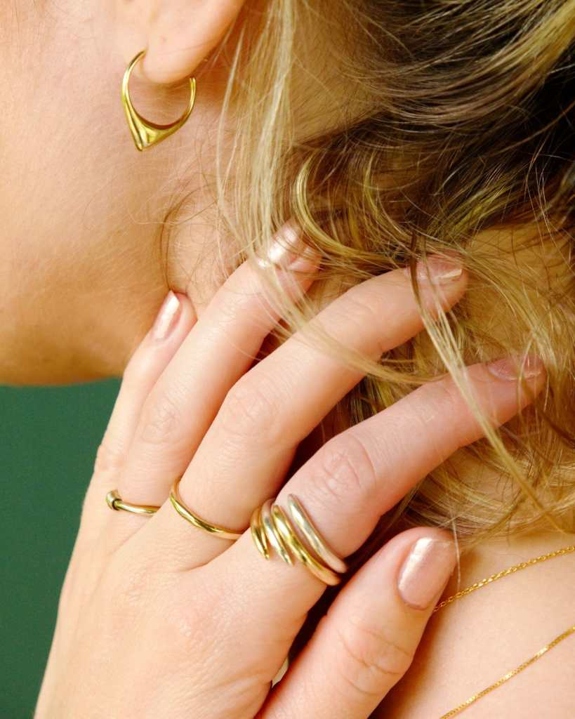 dainty necklaces, delicate rings