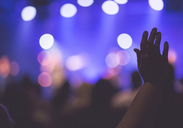 Por qu levantamos las manos al adorar  VERACIDAD CHANNEL