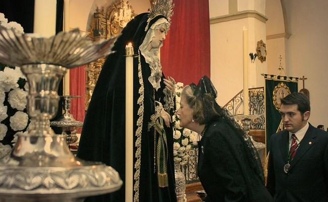 La madrina de la Virgen del Socorro nombrada Hija Adoptiva de Montilla