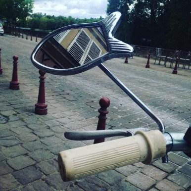 la-machine-a-pedales-charleville-retro